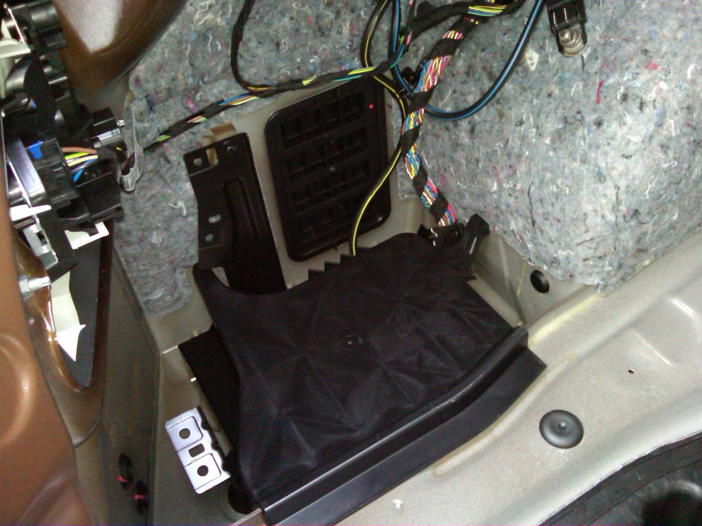 Wheres My Factory Amp Bmw 325is Trunk Wiring Harness Attached Images