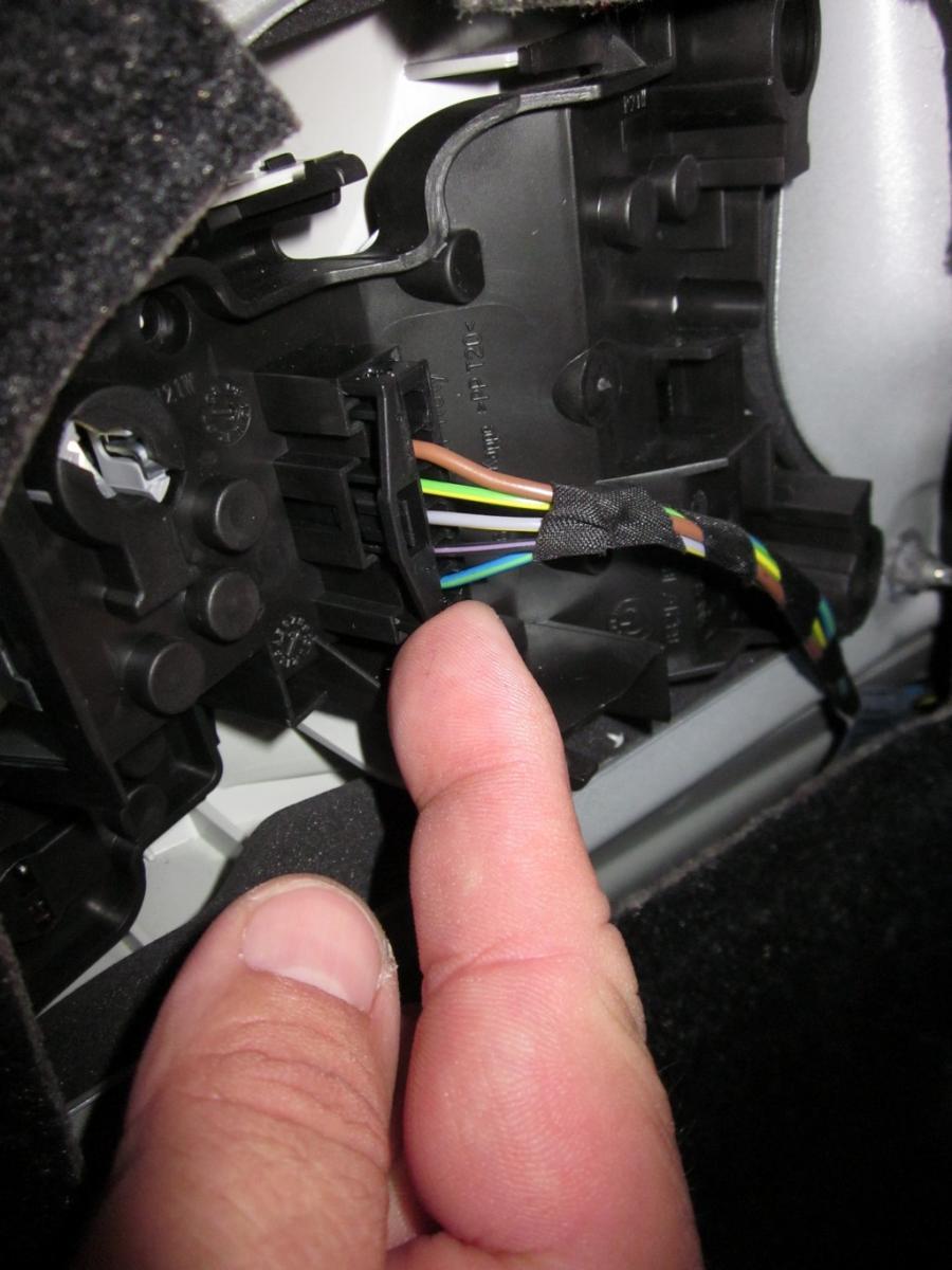 Diy Installing Lci Tail Lights Blacklines