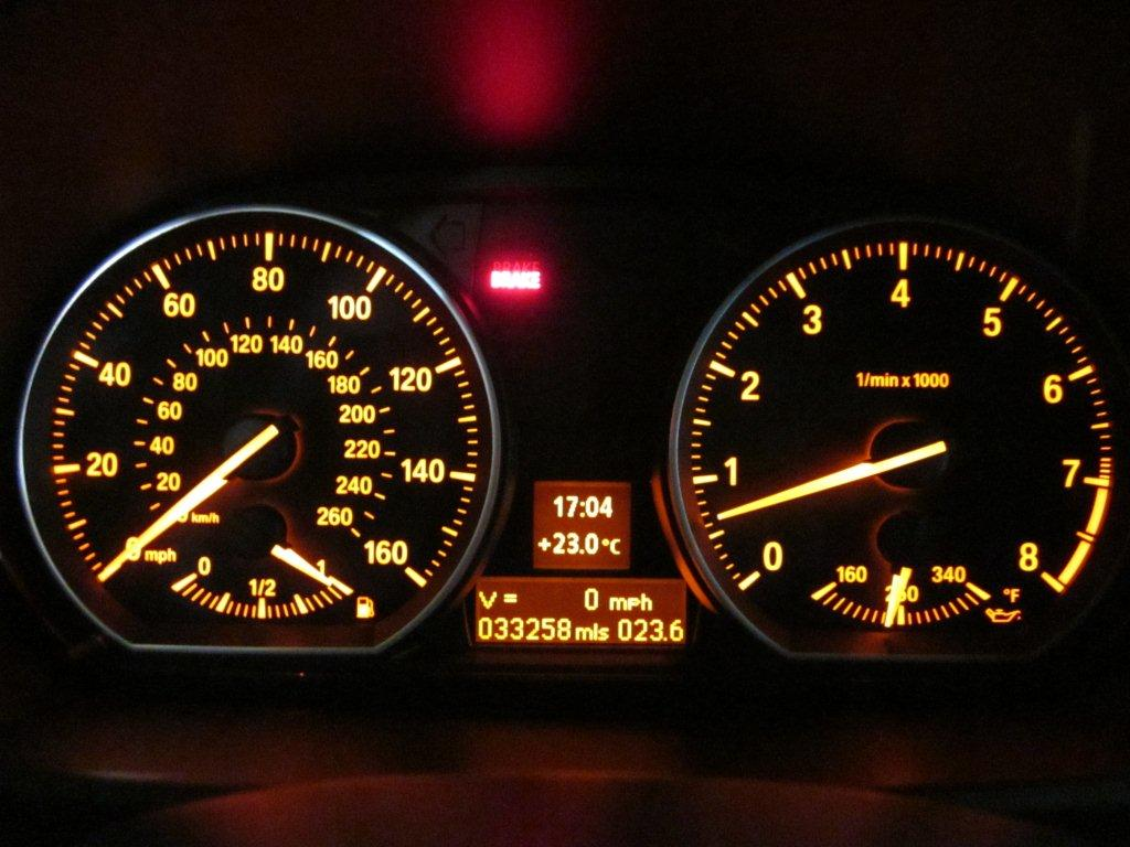 Change the default dash display? - BMW 1 Series Coupe Forum