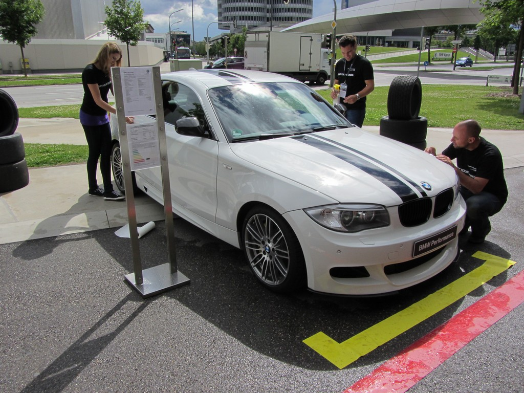 Demensions of BMW Performance Stripes - BMW 1 Series Coupe