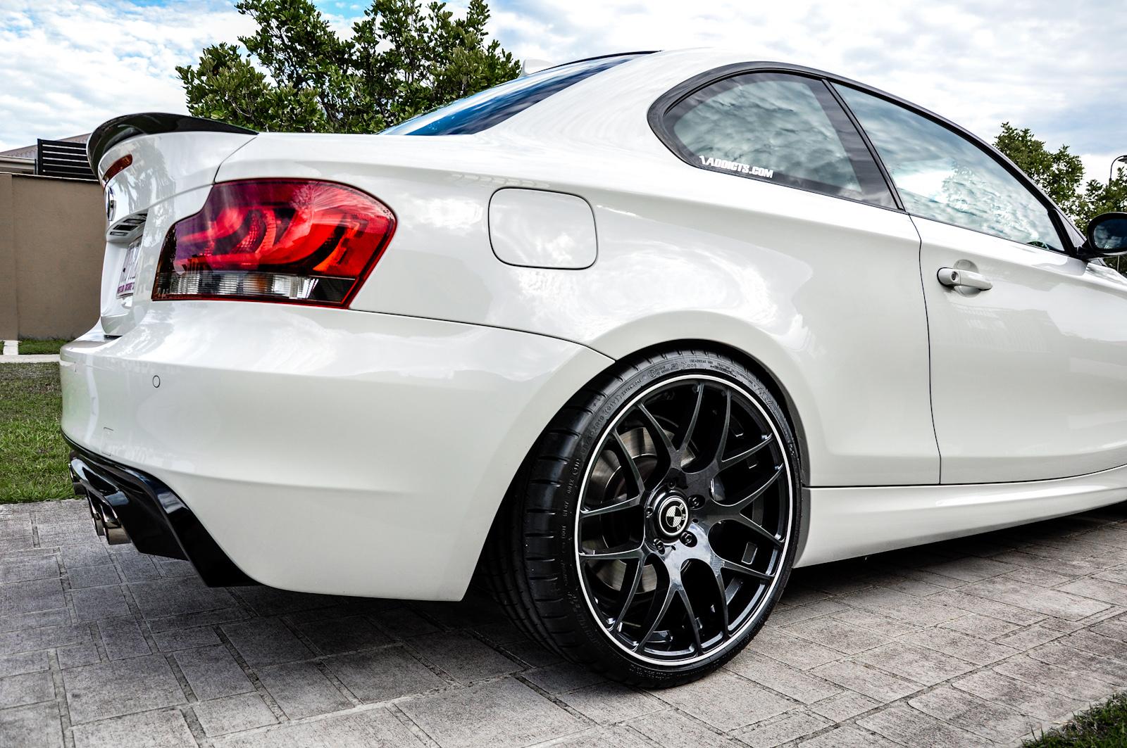 New Wheels V710 Galaxy Black On Alpine White