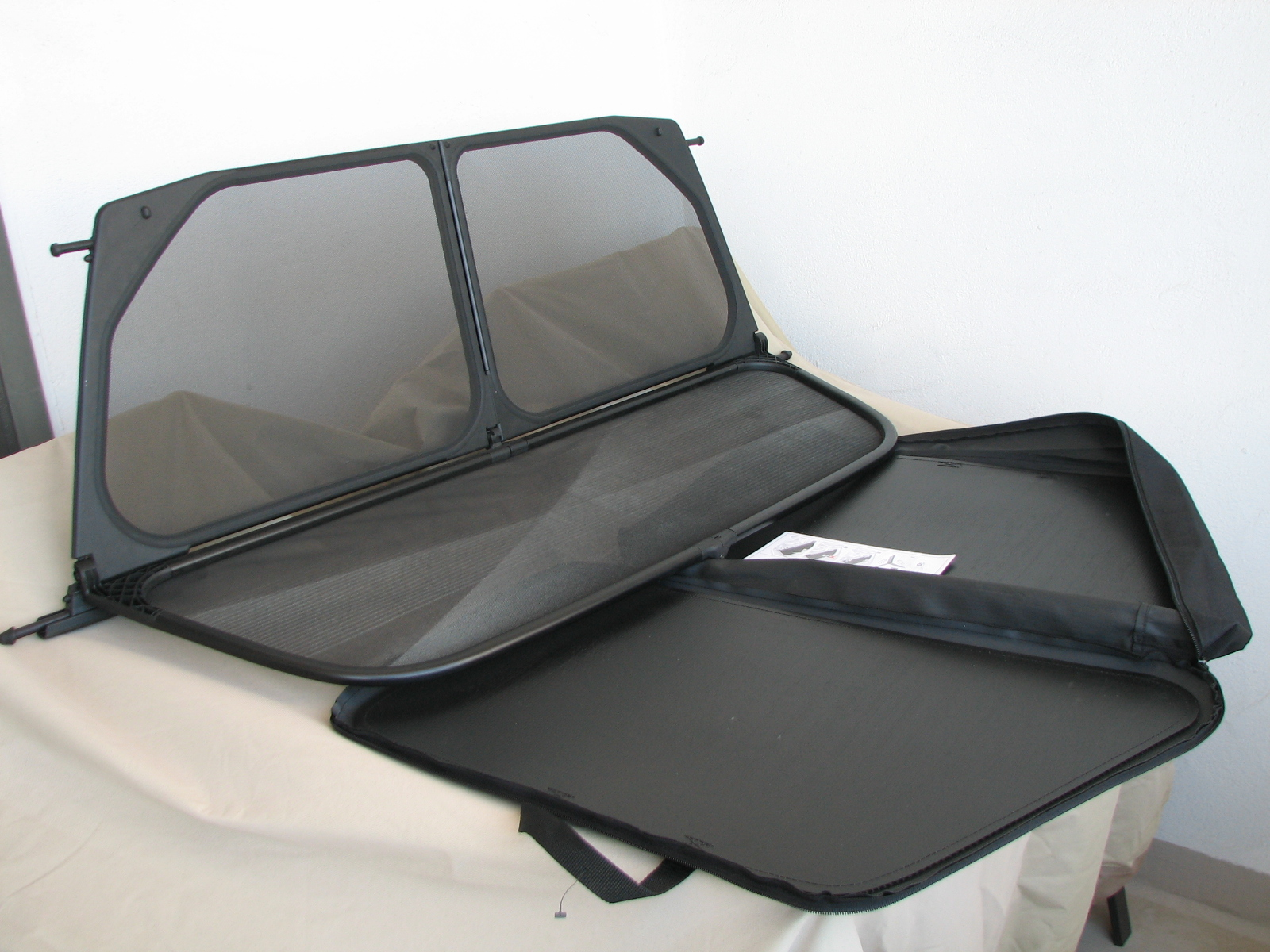 Oem Bmw 1 Series Convertible Wind Deflector Case