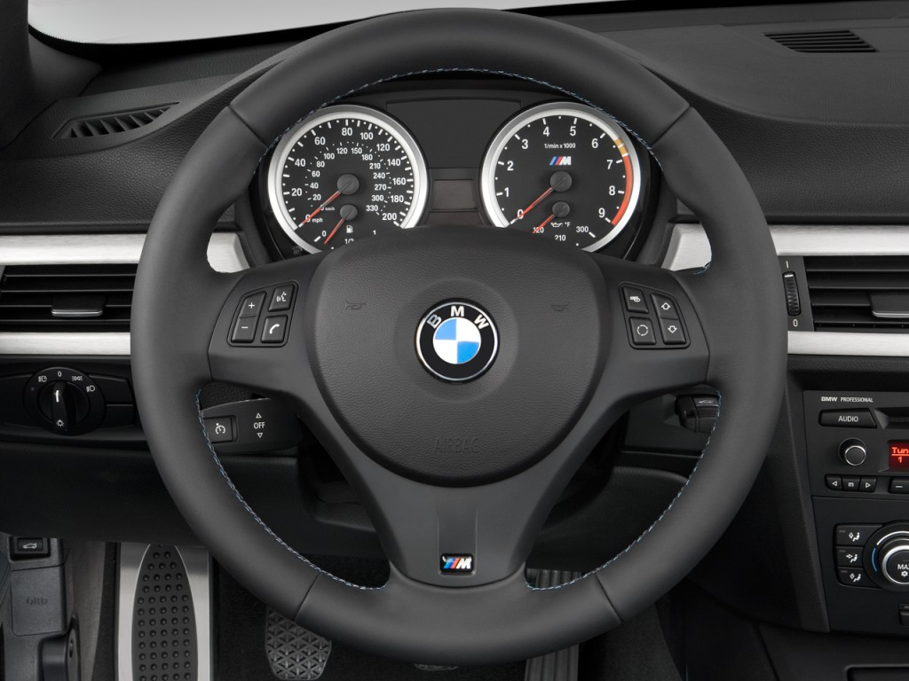 non sport vs m sport steering wheel. Black Bedroom Furniture Sets. Home Design Ideas