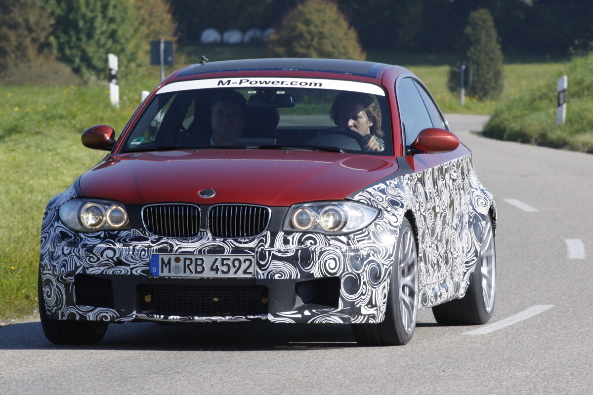 Name:  BMWBMW_1mcoupe_rood_770213a.jpg