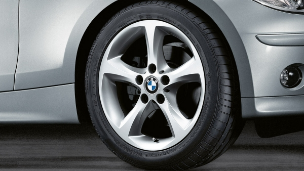 Name:  e81-e82-e87-e88_Light-alloy-Wheels_Star-spoke_256_p.jpg.resource.1347453537363.type2.jpg
