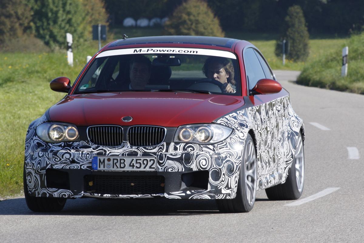 Name:  BMWBMW_1mcoupe_rood_770213a.jpg Views: 6783 Size:  416.4 KB
