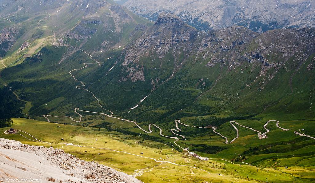 Name:  Dolomites_Curves.jpg Views: 470 Size:  547.1 KB