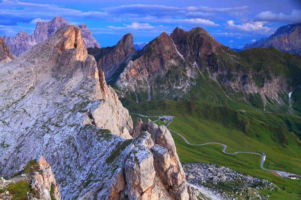 Name:  Dolomites.jpg Views: 444 Size:  149.3 KB