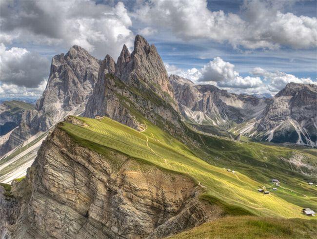 Name:  Dolomites_Seceda.jpg Views: 653 Size:  70.9 KB