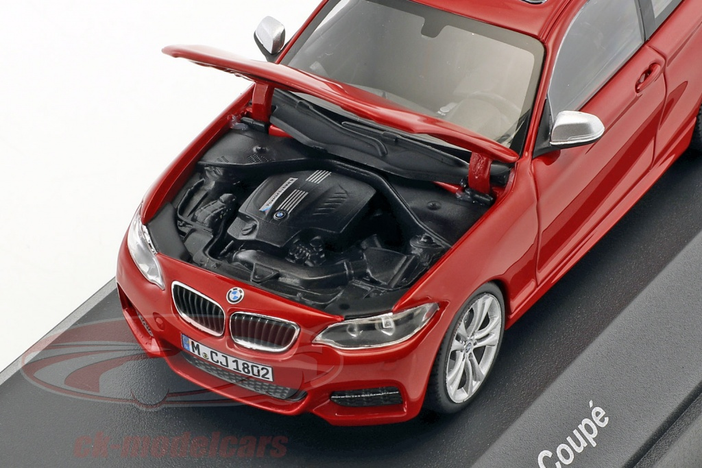 Name:  minichamps_1_43_bmw_2_series_coupe_f22_red_8042233.jpg Views: 320 Size:  245.0 KB