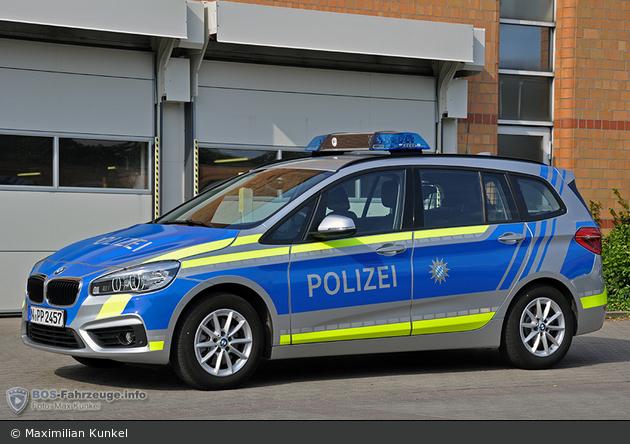 Name:  polizei  399140-large.jpg Views: 63 Size:  366.3 KB
