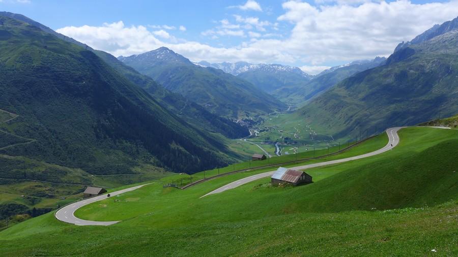 Name:  Furka Pass P1080371.jpg Views: 1505 Size:  153.3 KB