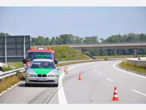 Name:  1154937354-unfall-a94-lkw-heck_9.jpg Views: 2387 Size:  31.1 KB