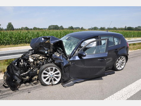 Name:  821214757-unfall-a94-lkw-heck_9.jpg Views: 2394 Size:  42.9 KB