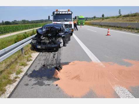 Name:  38268651-unfall-a94-lkw-heck_9.jpg Views: 2226 Size:  39.5 KB