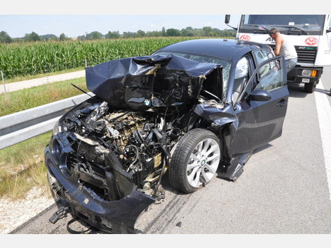 Name:  440451573-unfall-a94-lkw-heck_9.jpg Views: 2261 Size:  52.2 KB