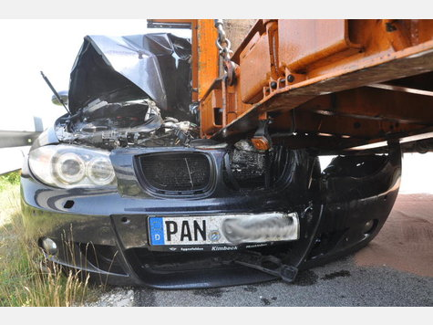 Name:  132746671-unfall-a94-lkw-heck_9.jpg Views: 2313 Size:  44.5 KB