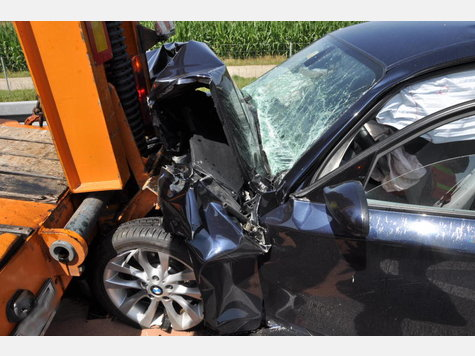 Name:  622604431-unfall-a94-lkw-heck_9.jpg Views: 2217 Size:  48.0 KB