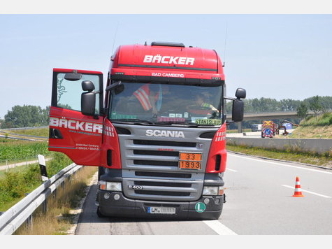 Name:  801217872-unfall-a94-lkw-heck_9.jpg Views: 1622 Size:  37.9 KB