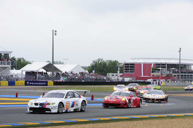 Name:  BMW_Artcar_24h_03_800.jpg
