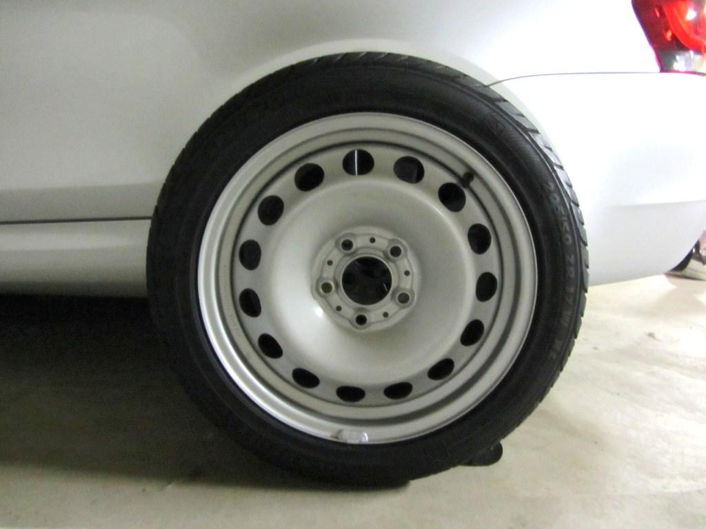 Name:  spare tire 1er.jpg Views: 53 Size:  124.7 KB