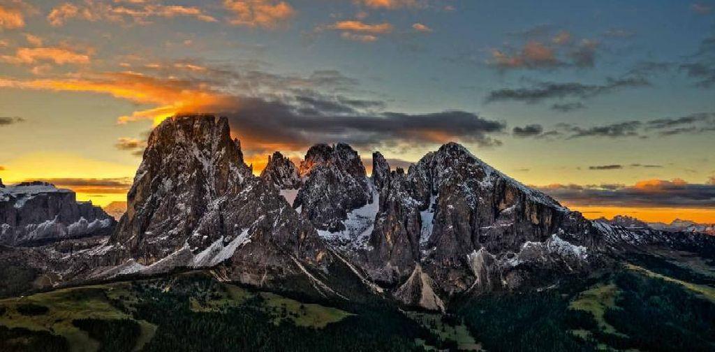 Name:  Sellaronda.jpg Views: 1090 Size:  90.4 KB