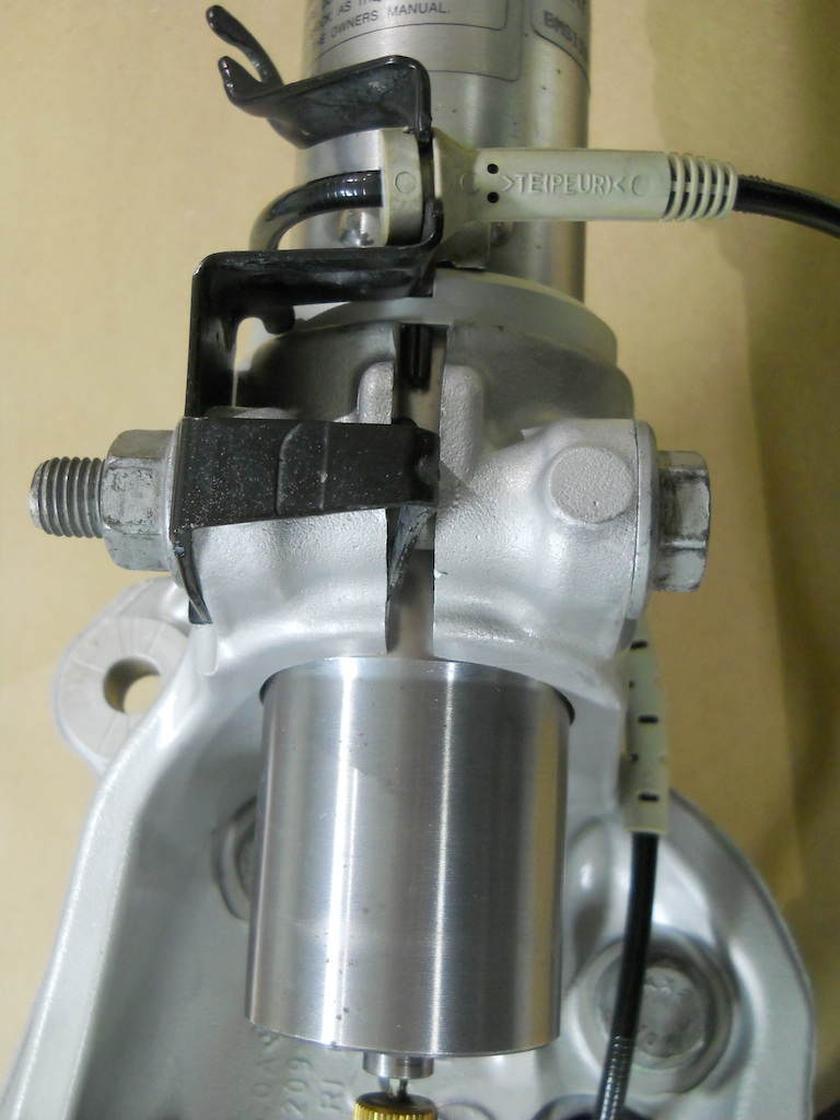Name:  Knuckle Assembly.jpg Views: 1365 Size:  186.1 KB