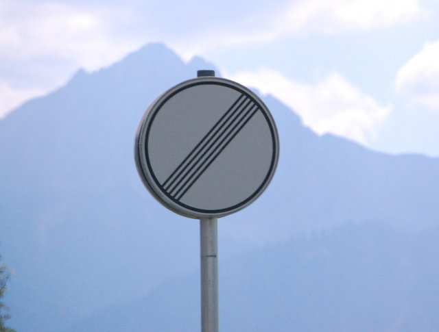 Name:  autobahn-end-of-restrictions-sign.jpg Views: 6308 Size:  83.5 KB