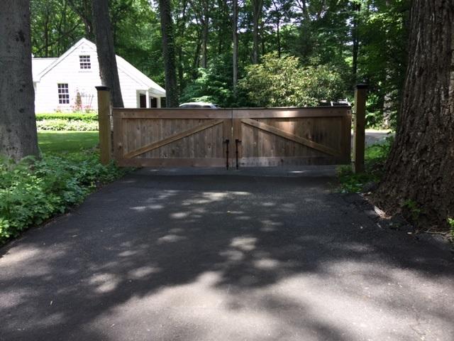 Name:  gate.jpg Views: 1827 Size:  135.7 KB