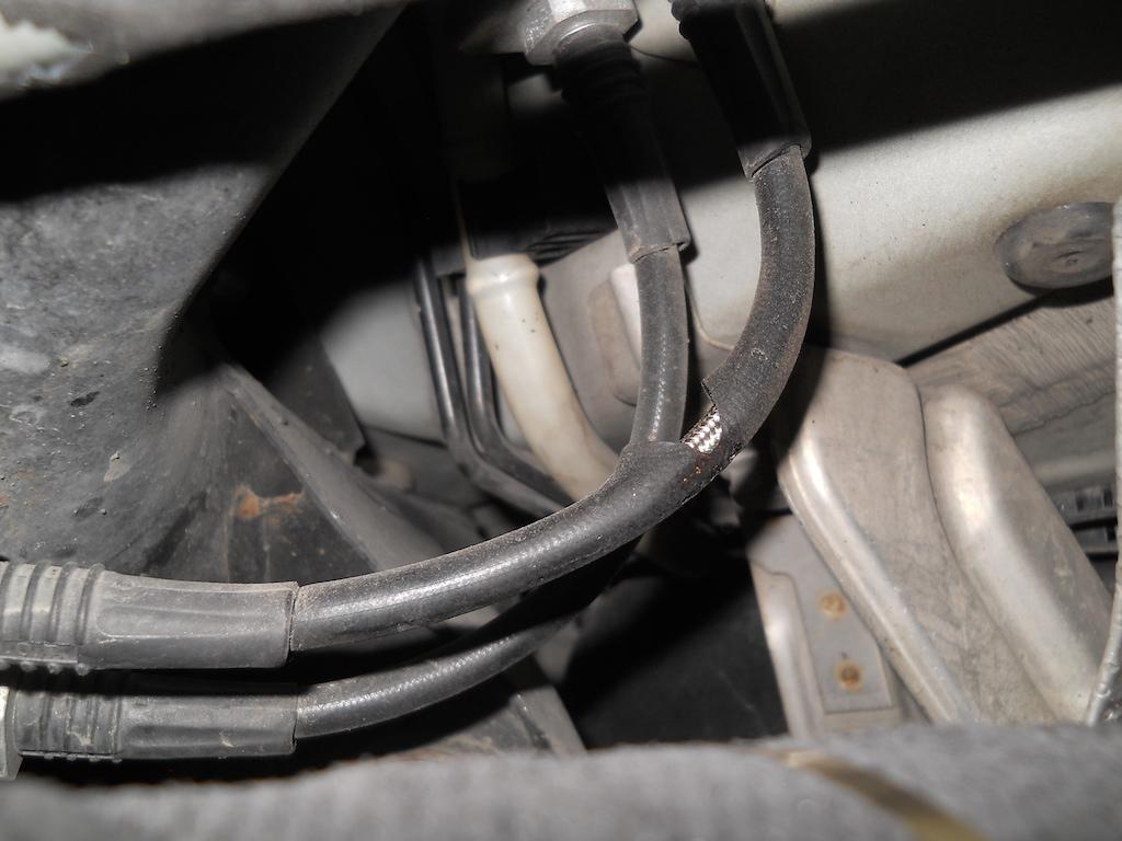 Name:  3 Heat Damage Brake Line.JPG Views: 517 Size:  241.6 KB