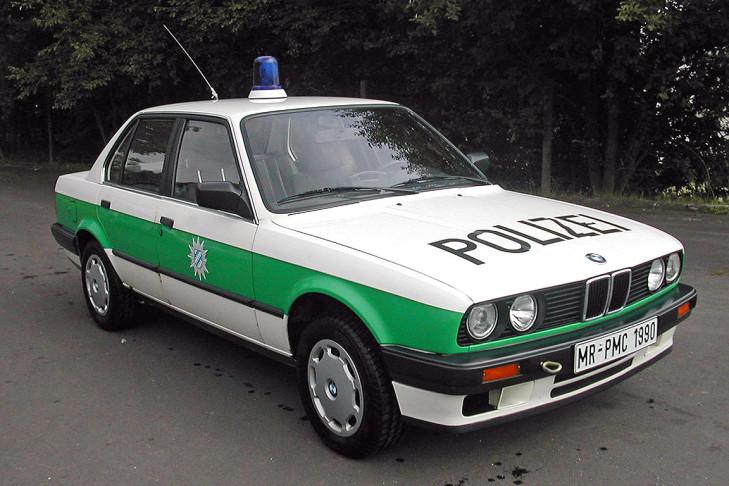 Name:  Polizei   BMW-318i-729x486-e25ac99a5258b340.jpg Views: 79 Size:  122.3 KB
