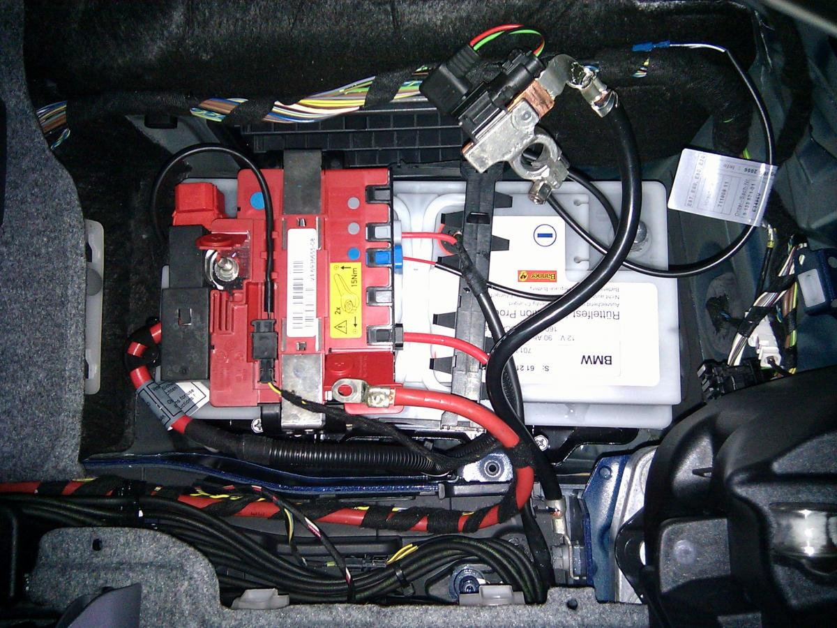 Name:  AGM battery with IBS E93 Battery 2.jpg Views: 4791 Size:  199.2 KB