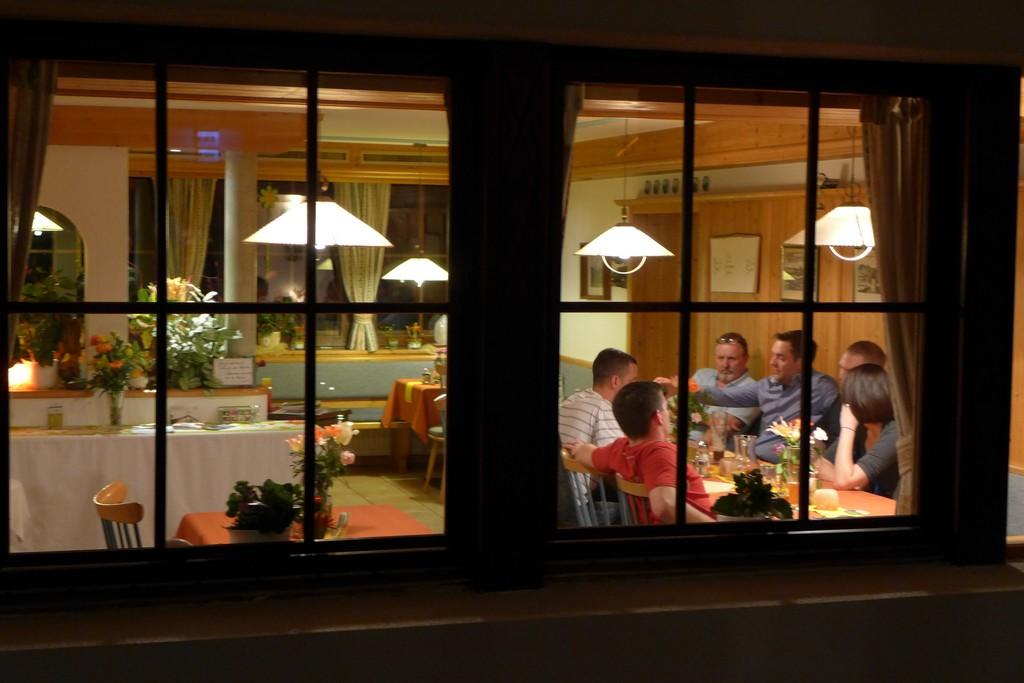 Name:  SchlossBlick Hotel near Kufstein, AustriaP1000936.jpg Views: 3640 Size:  150.4 KB