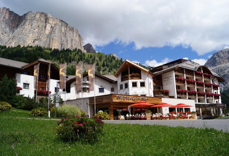 Name:  Sella  Hotel Kolfuschgerhof     10499343_704382849598048_534667051736844303_o.jpg Views: 3902 Size:  155.6 KB