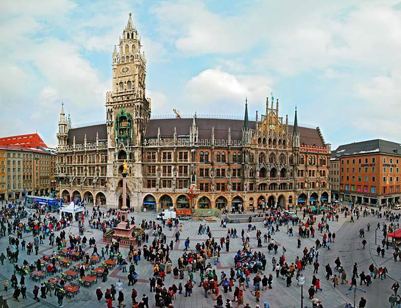 Name:  Marienplatz3279647691965_569965791_n.jpg Views: 3048 Size:  125.8 KB