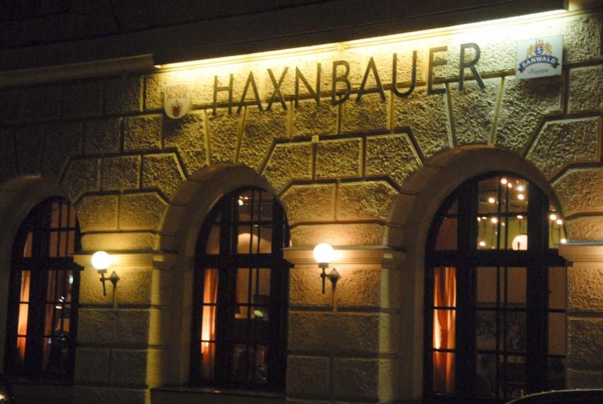 Name:  Haxnbauer im Scholastikahaus .jpg Views: 3101 Size:  412.3 KB