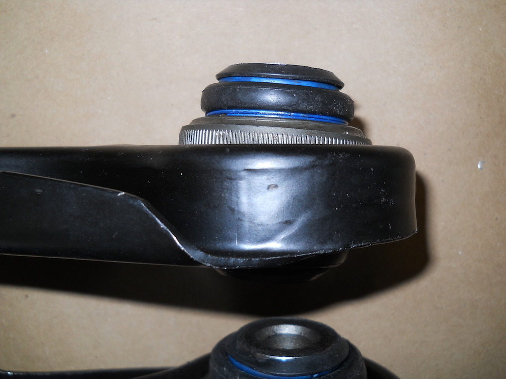 Name:  14 Ball Joint End Loose and Not Straight.jpg