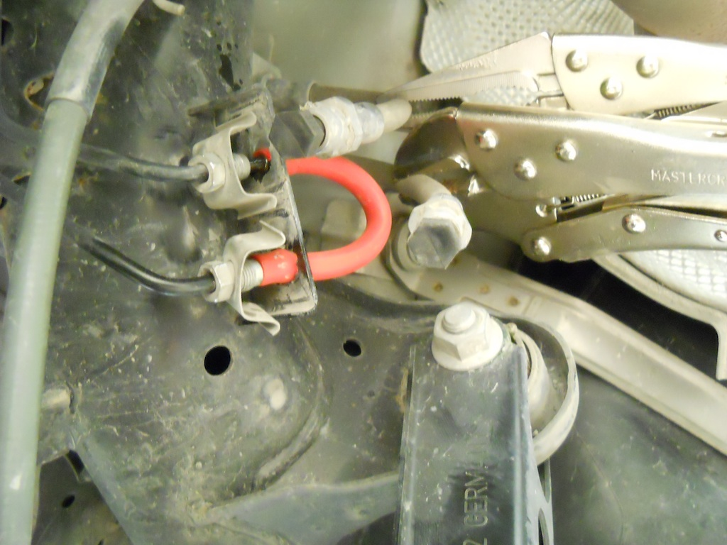 Name:  clamping hoses.jpg Views: 1053 Size:  202.7 KB