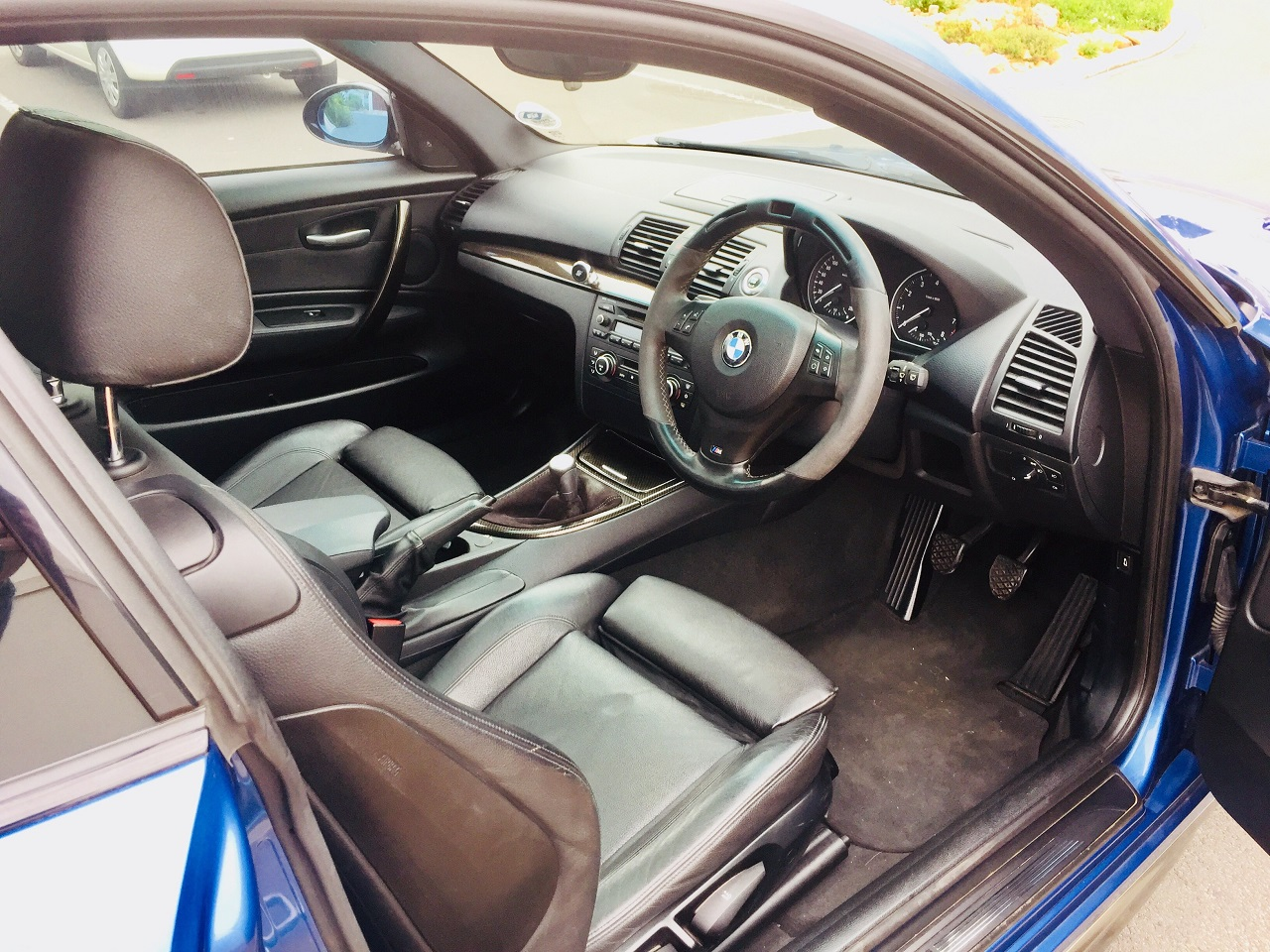 Name:  My BMW 130i interior.jpg