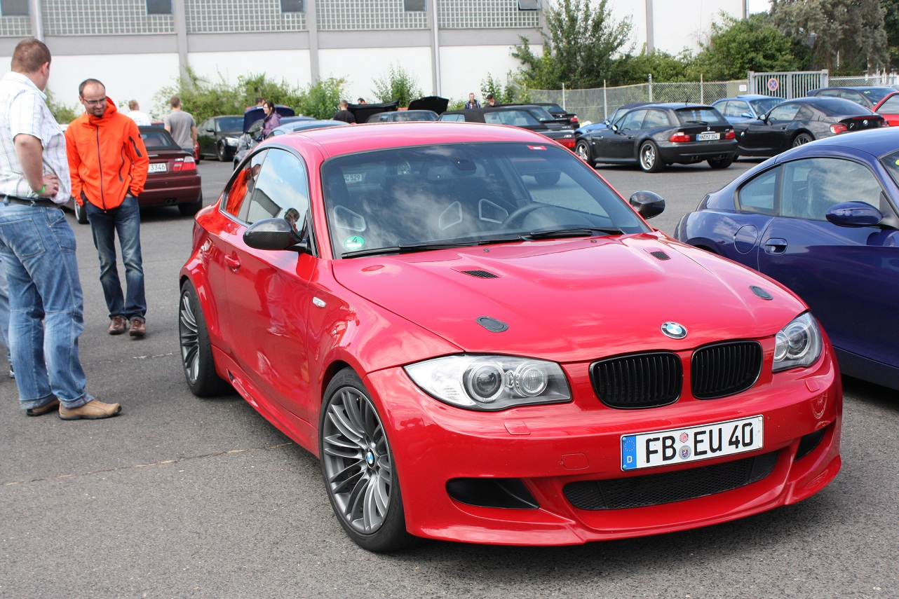 Name:  Performance front bumper m clone before the 1M was made M-fest meet 097-1.jpg Views: 151 Size:  474.7 KB