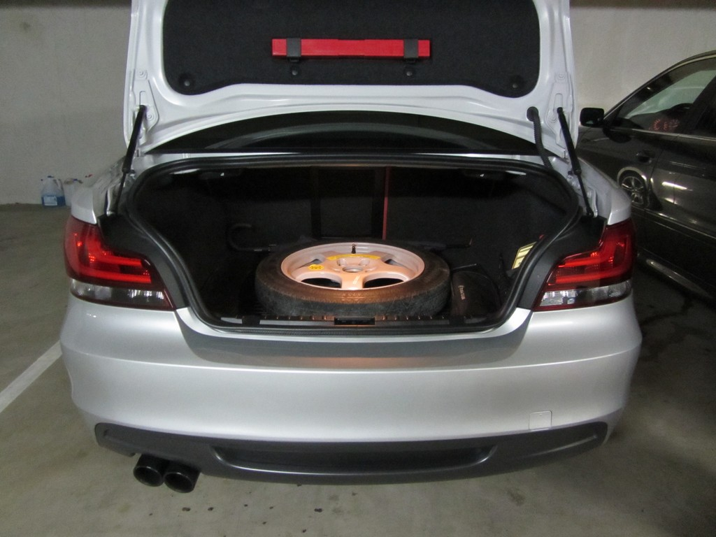 Name:  spare tire 335i alloy space saver  IMG_5276.jpg Views: 154 Size:  146.1 KB